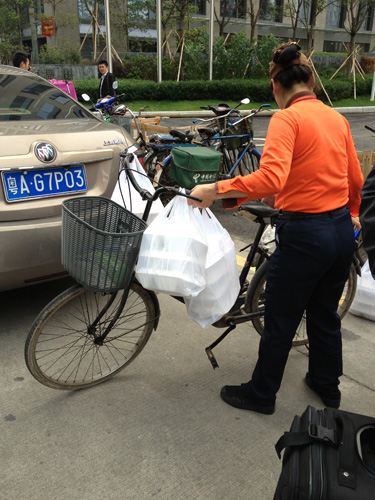 guangzhou_lunch_on_bikes